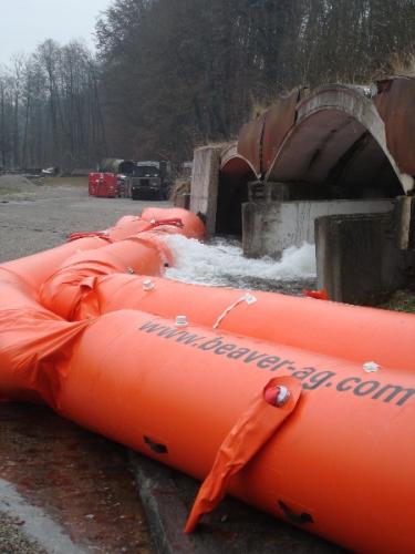 BEAVER twin tube flood barrier.