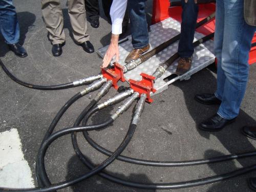 HYTRANS hydraulic hose adaptor.