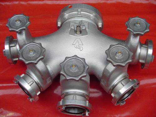 HYTRANS manifold. 1 x 150mm / 6 inch to 5 x 65mm / 2.5 inch.